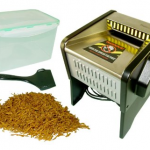 Cigarette tobacco shredder
