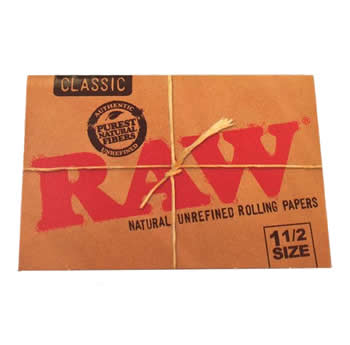 RAW-Classic-one-and-one-half-size-rolling-papers